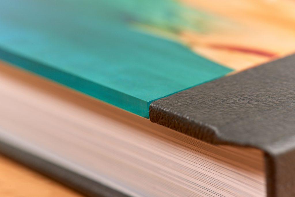 Acrylglas-Cover des Saal Digital Professional Line Fotobuchs
